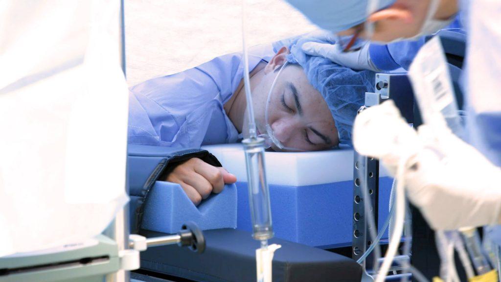 compartir-noticias-de-mayo-clinic:-primera-biopsia-guiada-por-robot-en-paciente-despierto-ofrece-precision-en-el-diagnostico