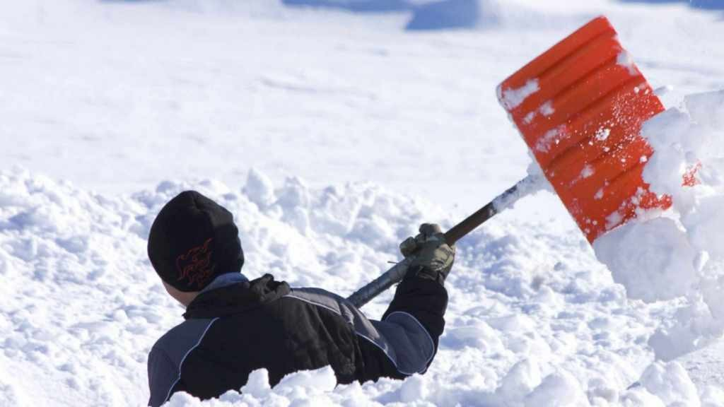 shoveling-snow-safely