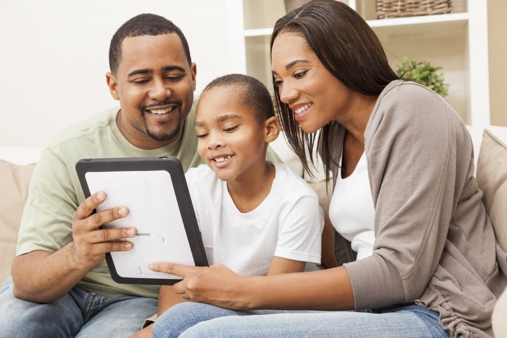 mayo-clinic-q-and-a:-balancing-screen-time-and-creating-a-healthy-home-for-children