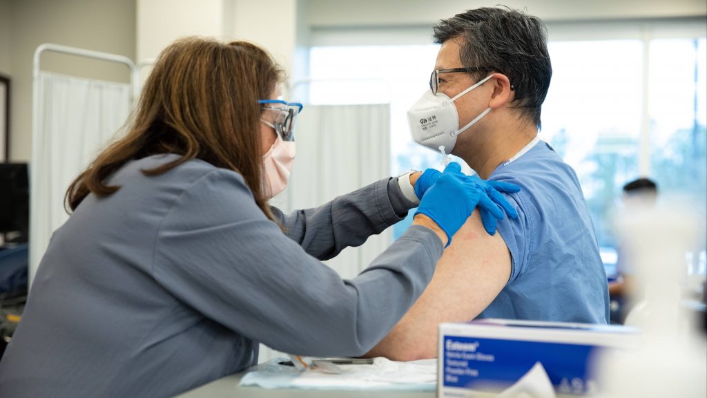 mayo-clinic-q&a-podcast:-a-race-between-vaccines,-the-virus-and-variants